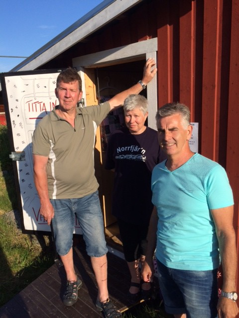Mats och Lisbeth Sjöström och Sören Olsson. Bengt-Arne Pettersson och Lennart Adolfsson saknas på bilden.