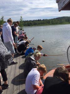 Rekord i antal tävlande i fisketävlingen i år! 65 barn tävlade.